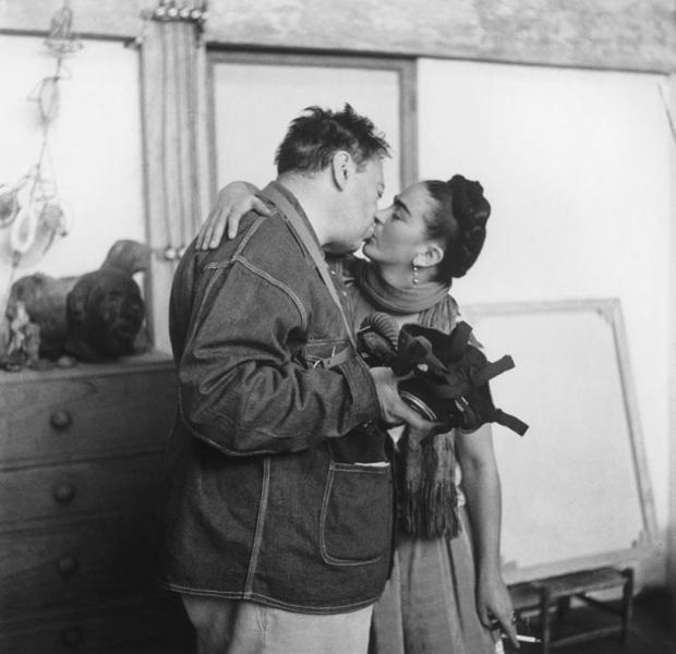 Diego Rivera (izq.) y Frida Kahlo (dcha.)