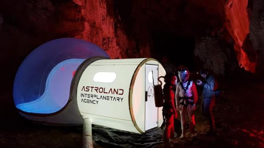 Vacaciones en Marte sin salir de una cueva cántabra
