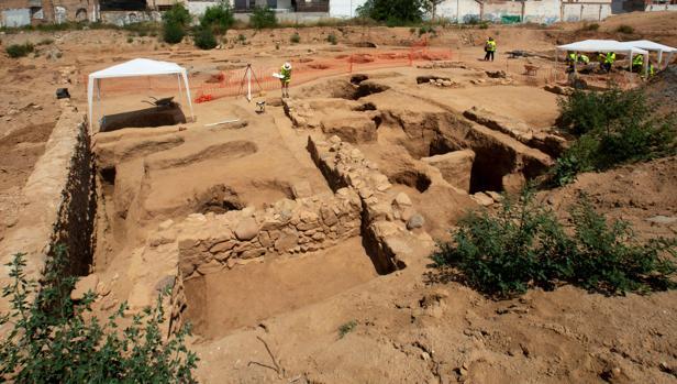Una intervención arqueológica en el solar de una antigua fábrica de Badalona ha permitido documentar la existencia de una antigua villa romana de más de 2.600 metros cuadrados