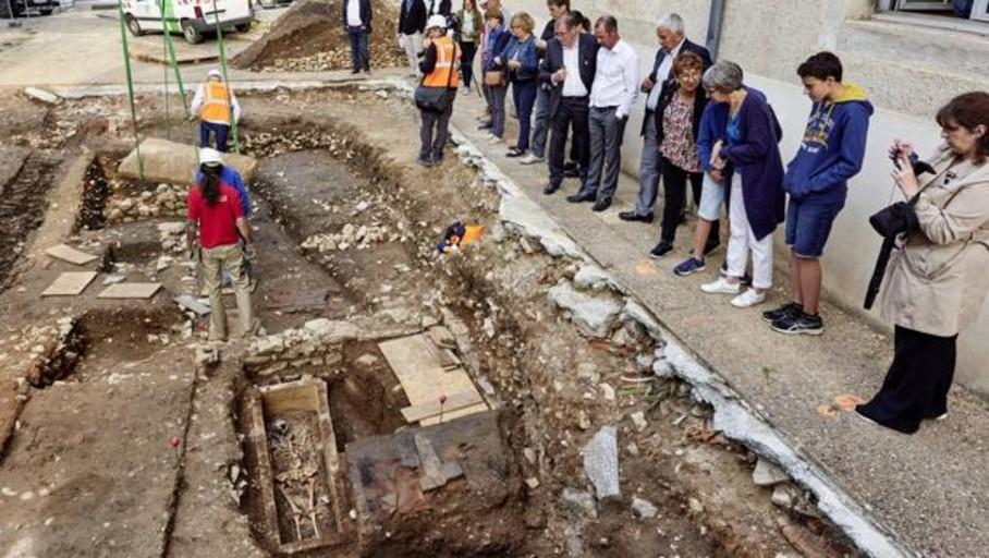Descubren un sarcófago merovingio en Cahors