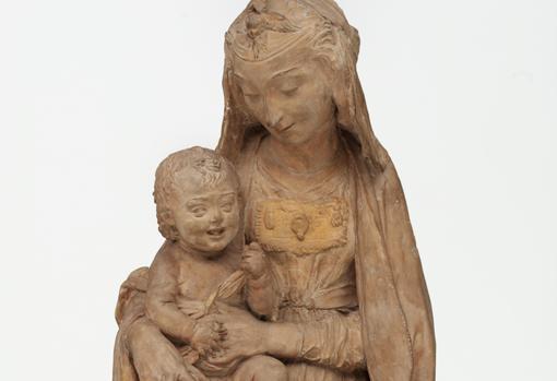 Detalle de «Virgen con el Niño riendo», terracota atribuida a Leonardo