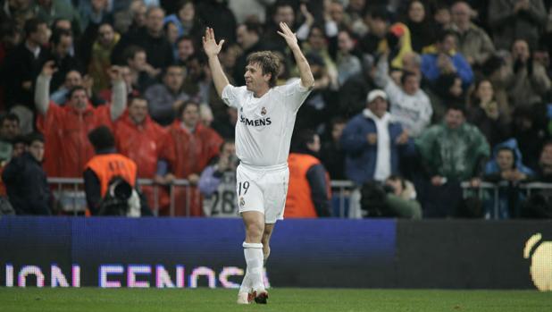 Cassano celebra un gol con el Real Madrid