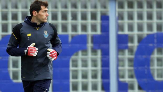 Casillas, en un entrenamiento del Oporto