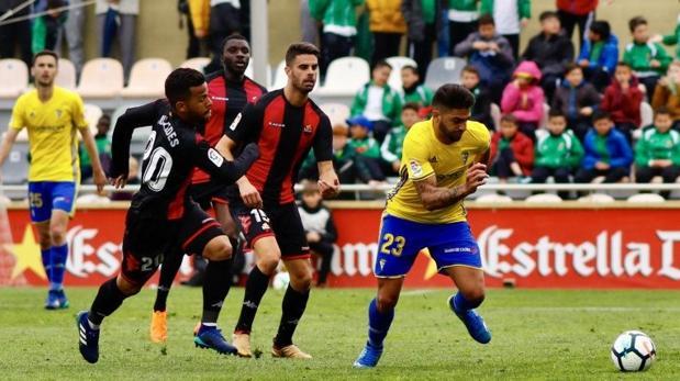 Parrido de Liga entre el Reus y el Cádiz