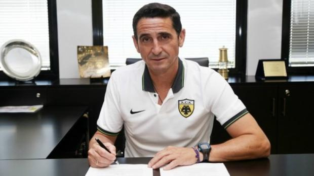 Manolo Jiménez, entrenador del AEK de Atenas