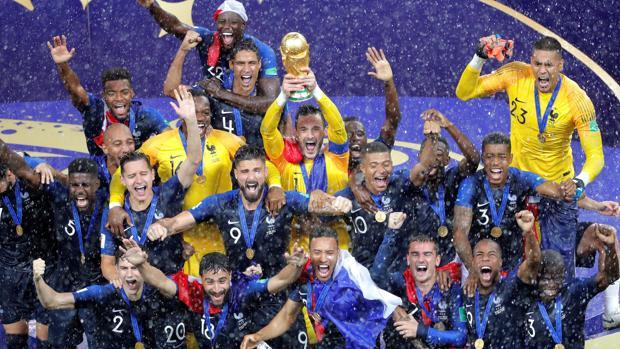 Los galos levantan la Copa del Mundo