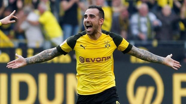 Paco Alcácer celebra un tanto en el partido de la Bundesliga frente al Augsburgo