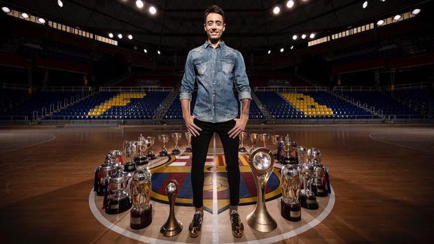 Paco Sedano, con los títulos conquistados en el Barça