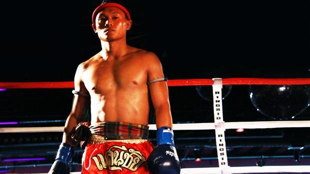 El luchador de muay thai Saenchai