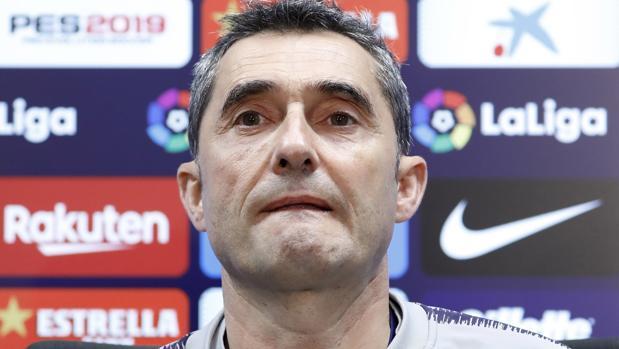 Valverde atiende a los medios de información