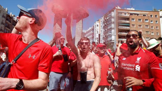 Los aficionados del Liverpool, en plena celebración