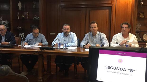 Imagen de la Comisión de Segunda B en la Ciudad del Fútbol de Las Rozas