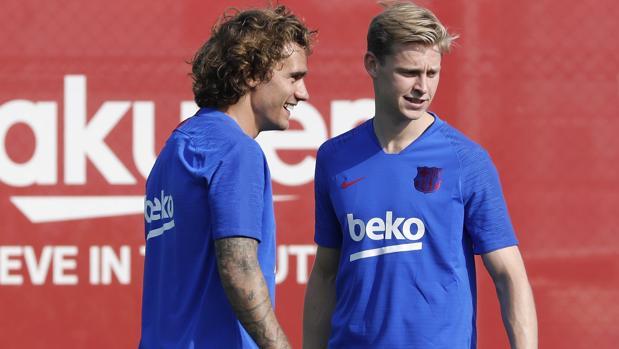 Griezmann y De Jong durante un entrenamiento en la Ciudad Deportiva