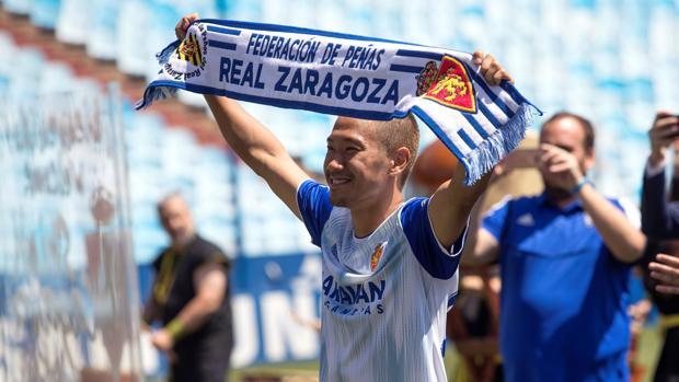 Kagawa, durante su presentación como jugador del Zaragoza