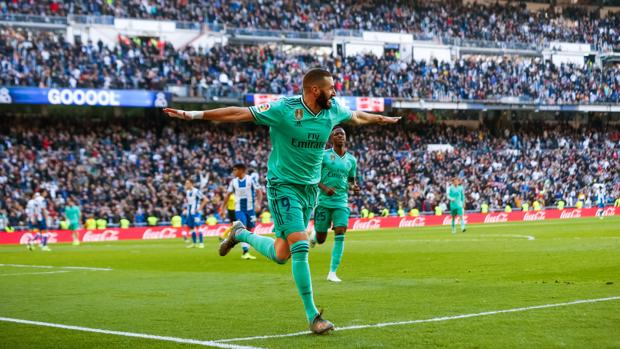 Benzema lo hace todo en el Madrid