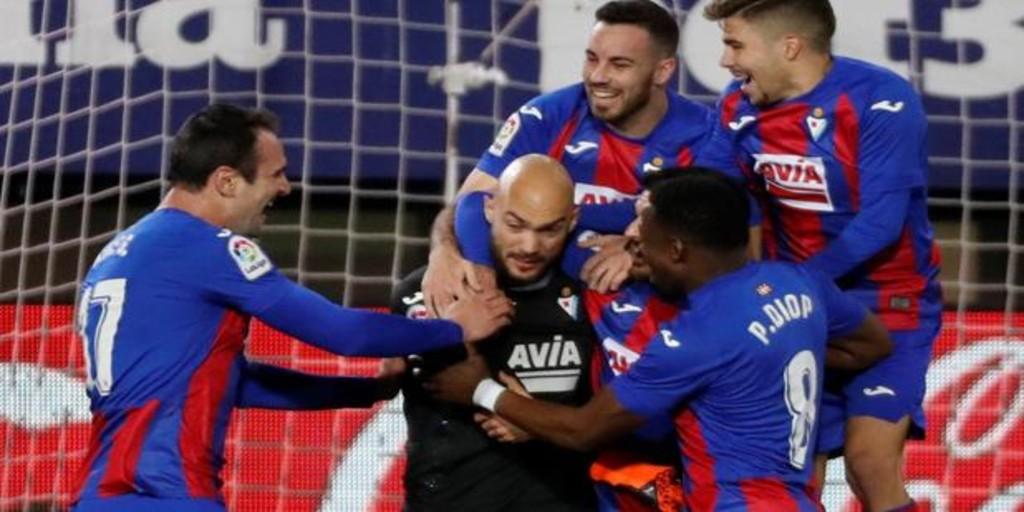 Dmitrovic marca de penalti y ya es historia de LaLiga
