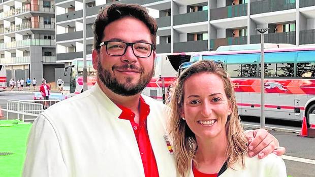 Tiro: Alberto Fernández y Fátima Gálvez quieren pasárselo bien