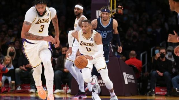 Los nuevos Lakers ya saben lo que es ganar