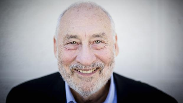 El economista Joseph E. Stiglitz posa en la Fundación Rafael del Pino