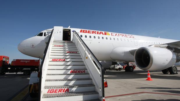 Imagen de un avión de Iberia Expréss
