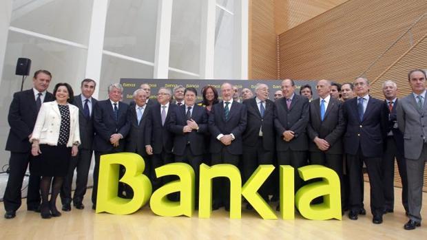 Foto de 2011 del día del anuncio de la creación de Bankia