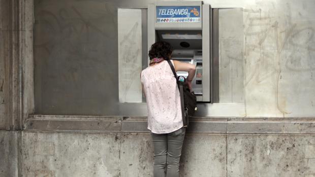 La política monetaria expansiva ha facilitado la concesión de crédito bancario