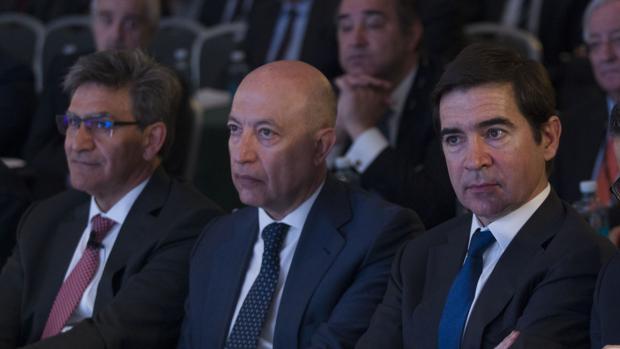 José Antonio Álvarez (Santader), Francisco Celma (Deloitte) y Carlos Torres (BBVA)