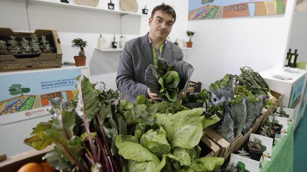 Un productor en la IV Feria de Productos Ecológicos de Sevilla