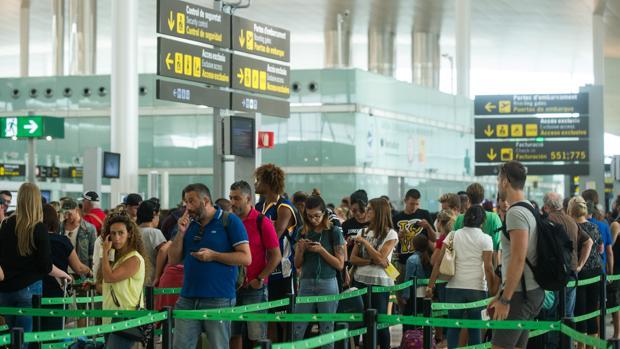 Imagen del aeropuerto de El Prat del verano pasado cuando los vigilantes de seguridad hicieron huelga