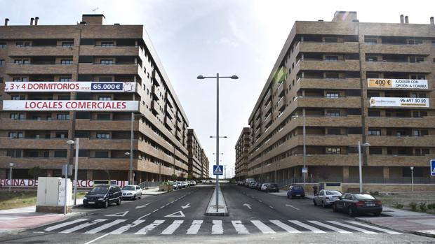 Imagen de archivo de bloques de viviendas en Toledo