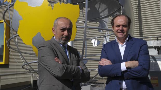 José Gil, (izq.) director general de Prosegur Seguridad, y Alejandro Alonso, director general de Prosegur Ciberseguridad