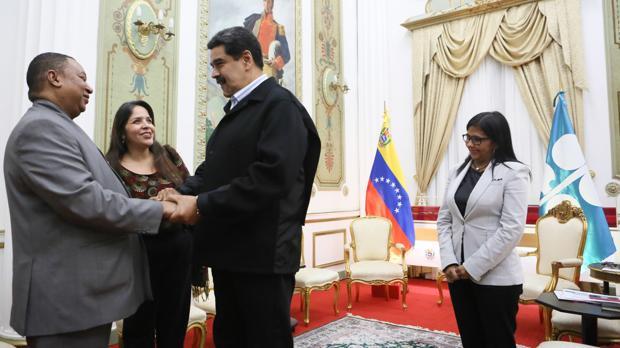 El secretario general de la OPEP, Mohammed Barkindo, visitó a Nicolás Maduro en Caracas a principios de año