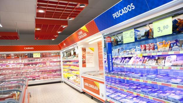 Interior de un supermercado de DIA
