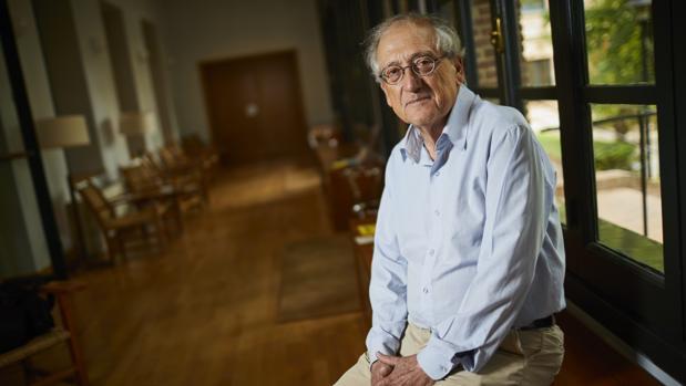 Pablo Martín-Aceña es autor de «Historia del Fondo Monetario Internacional» y de decenas de libros como «Las crisis financieras en la España contemporánea 1850-2012»