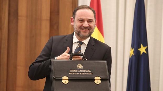 El ministro de Transporte, José Luis Ábalos, durante su toma de posesión