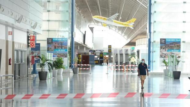 aeropuerto-estado-alarma-kYiF--620x349@abc.jpg
