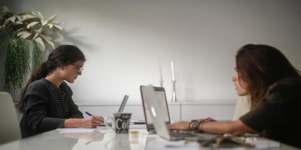 Ley del teletrabajo: la empresa mantendrá el mismo sueldo, correrá con los gastos y garantizará el empleo