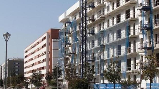 Los españoles necesitan siete años de ingresos para comprar una vivienda