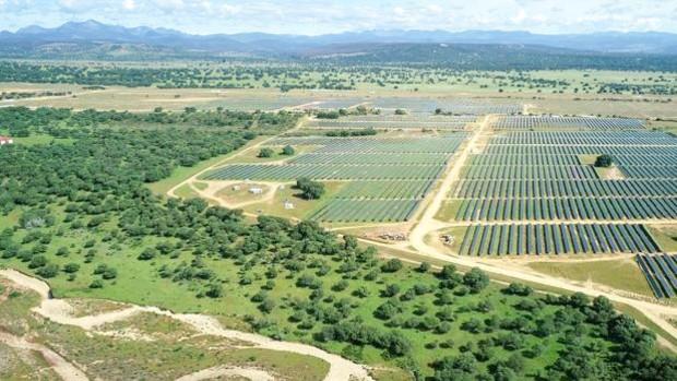 Repsol inicia la producción en Valdesolar, su mayor planta fotovoltaica en España