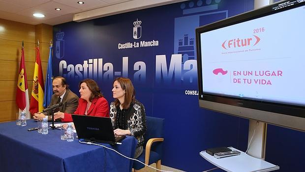 Alfonso Silva, Patricia Franco y Ana Isabel Fernández en la presentación de Fitur