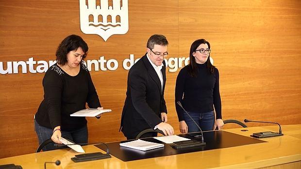 Maria Luisa Alonso, Julian San Martin, y Nazareth Quijano, concejales de Ciudadanos en Logroño