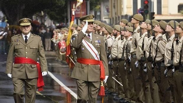 Una pascua militar en Tenerife, en el año 2009