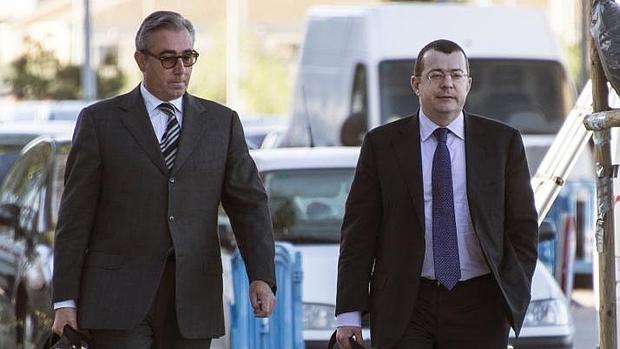 El exsocio de Iñaki Urdangarin, Diego Torres, y su abogado Manuel González-Peeters