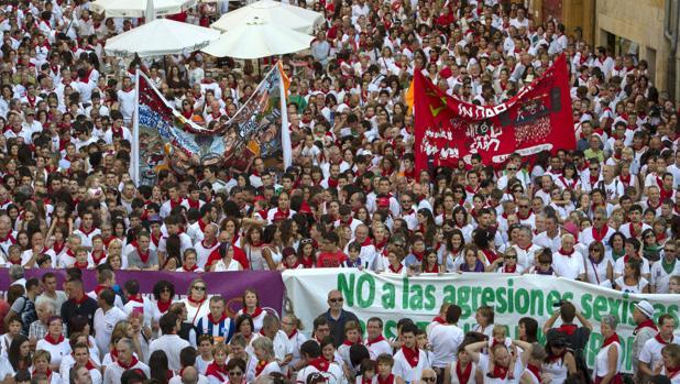 Una concentración celebrada durante los Sanfermines de 2015 en repulsa de la violación de una joven de 19 años