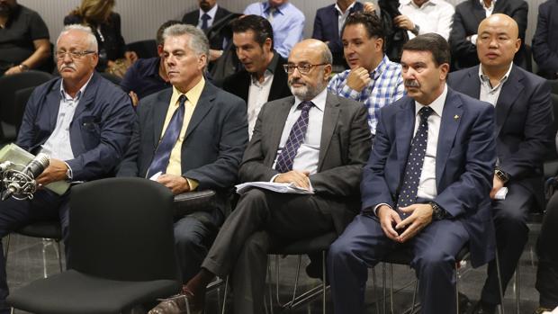 La Audiencia Nacional acoge el juicio contra cinco policías nacionales y uno municipal