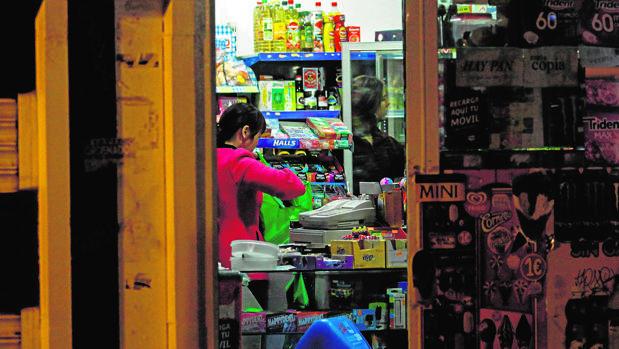 Establecimiento de alimentación regentado por una ciudadana china, en Madrid