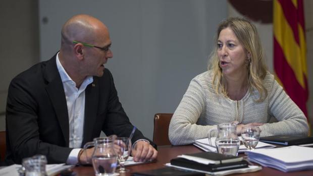 Raül Romeva y Neus Munté, en la reunión del ejecutivo autonómico, hoy