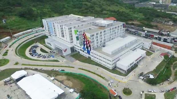 Foto aérea del hospital construido por Grupo Puentes en Guayaquil