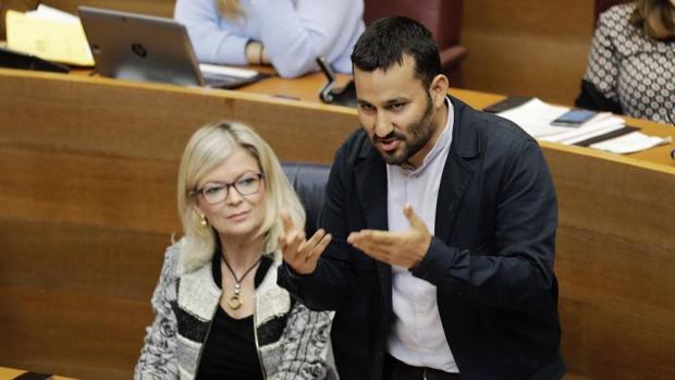 El conseller Vicent Marzà, en una sesión de control en las Cortes Valencianas
