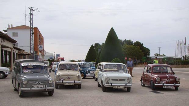 Salida de los vehículos hacia La Puebla de Almoradiel